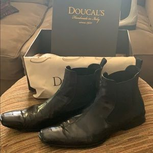 All black Doucals boots